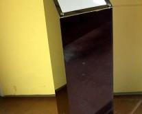 αναλόγιο μαύρο από plexiglass