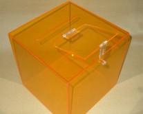 κίτρινη-κάλπη-plexiglass
