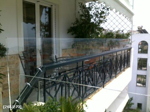 plexiglass σε κάγκελα βεράντας