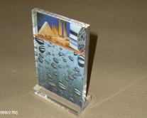 σταντ με εικόνα από plexiglass