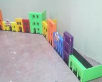 Πολύχρωμες κατασκευές από plexiglass