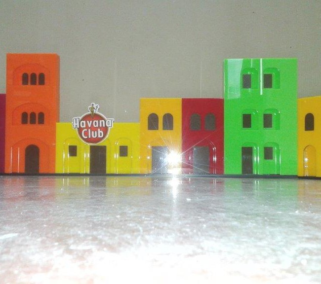 Plexiglass αντικείμενα πολύχρωμα