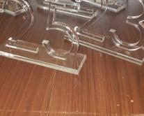 Χαραξη με laser σε plexiglass