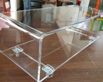 Μεγάλο κουτί από plexiglass