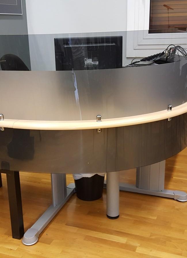 Κατασκευή προσθήκη σε γραφείο από πλεξιγκλας