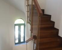 Προστατευτικά εσωτερικής σκάλας από πλέξιγκλας