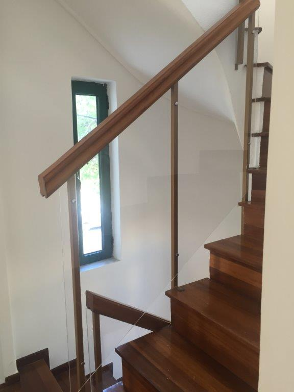 Προστατευτικά για σκάλες από πλέξιγκλας