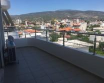 Προστατευτικό μπαλκονιού από plexiglass – Δημήτρης Πετρόπουλος