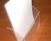 σταντ απλό με φυλλάδια