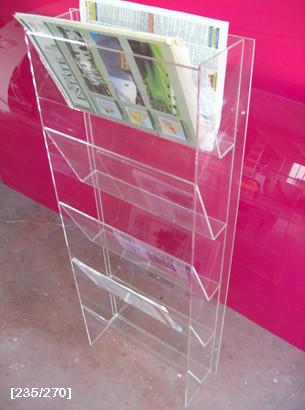 Stand για εφημερίδες από Plexiglass