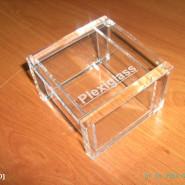 Πως  αφαιρούμε χρώμα και  διορθώνουμε τυχών γρατσουνιές στο plexiglass