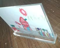 Ζωγραφιά εγκλωβισμένη σε Plexiglass