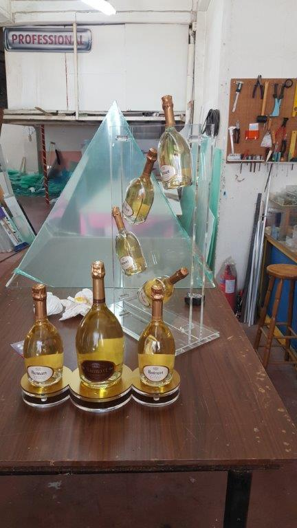 Plexiglass κατασκευή για ποτά