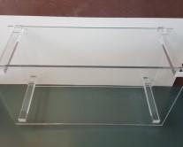 Τραπεζάκι από Plexiglass υλικό