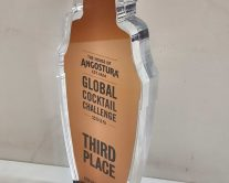 Βραβείο από Plexiglass σε σχήμα μπουκαλιού