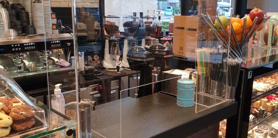 Plexiglass σε μαγαζί – ταμείο