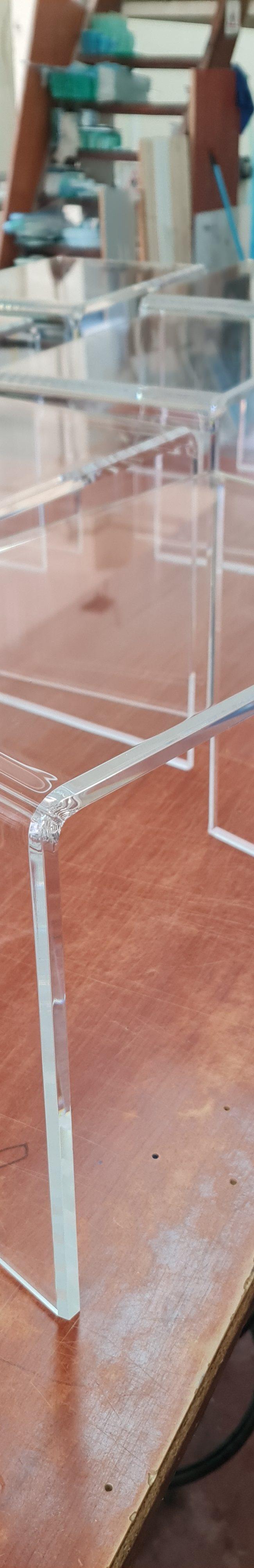 επιπλα   plexiglass